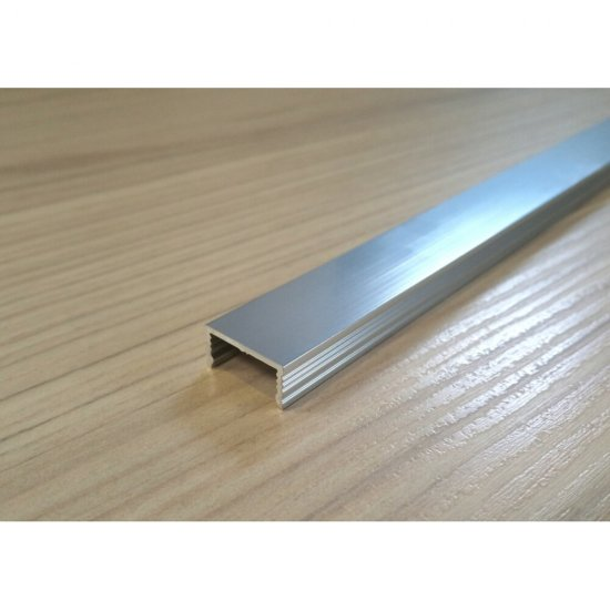 Listwa aluminiowa polerowana silver 3 x 250